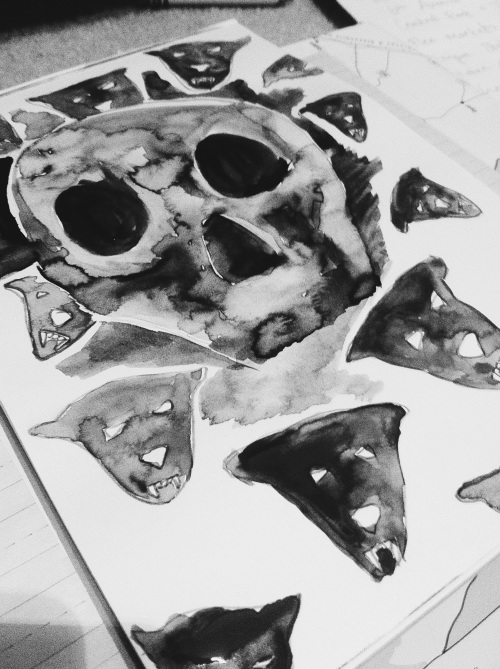 Painting with watercolours - a skull.